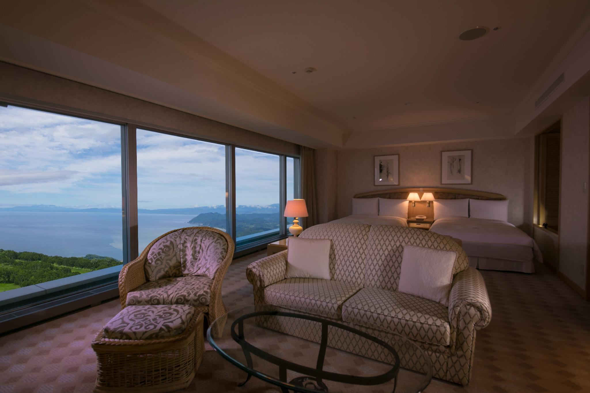 Ocean View Junior Suite with Twin Bed - Non-Smoking