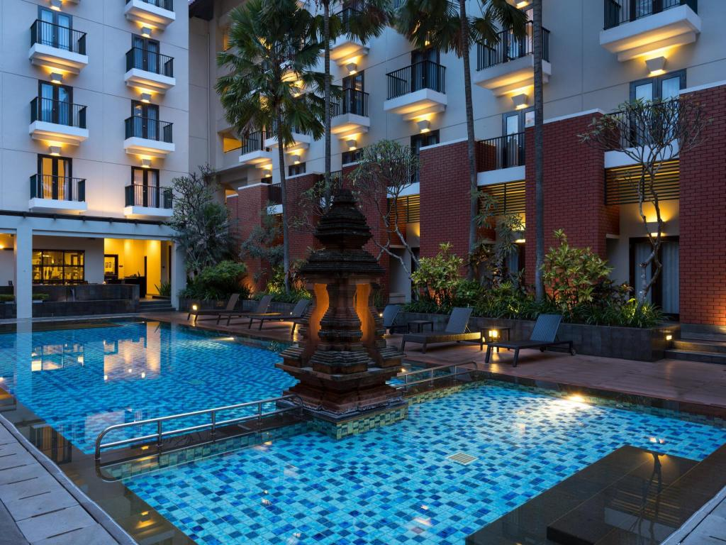 Swimming pool [outdoor] Hotel Santika Premiere Malang