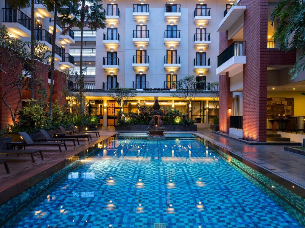 Hotel Santika Premiere Malang In Indonesia Room Deals Photos Reviews