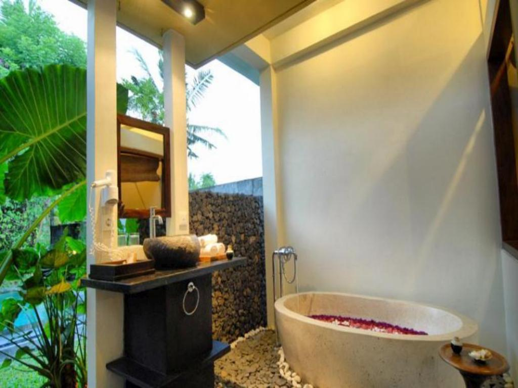Bathroom Kajane Mua Villas