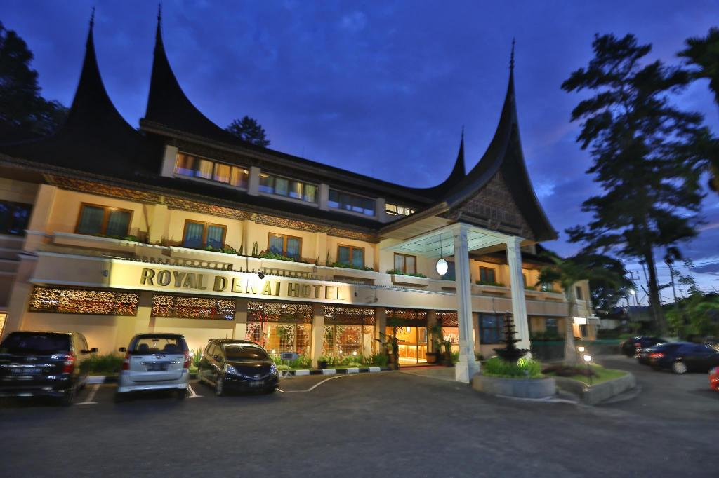 royal denai hotel in bukittinggi room deals photos reviews. Black Bedroom Furniture Sets. Home Design Ideas