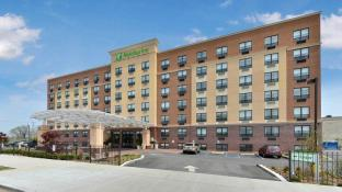 Holiday Inn New York-JFK Airport Area