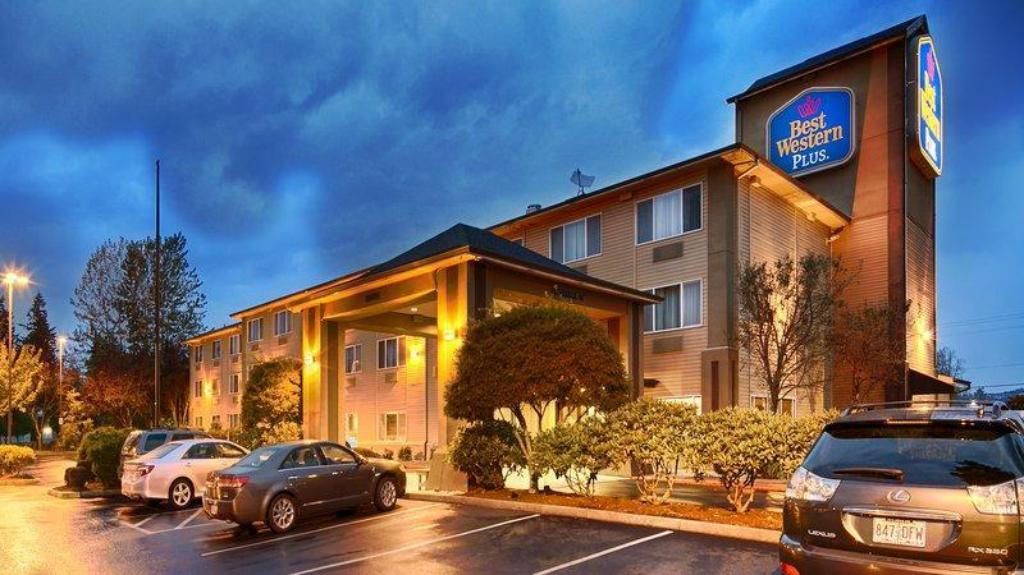 Best Western Plus Cascade Inn And Suites Wood Village Or Booking Deals Photos Reviews