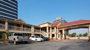 Quality Inn & Suites Dallas-Cityplace