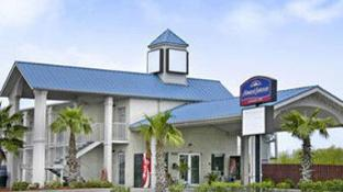 Howard Johnson by Wyndham Galveston
