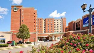 Homewood Suites by Hilton Edgewater Hotel