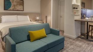 STAYBRIDGE SUITES LONDON-HEATHROW BATH ROAD