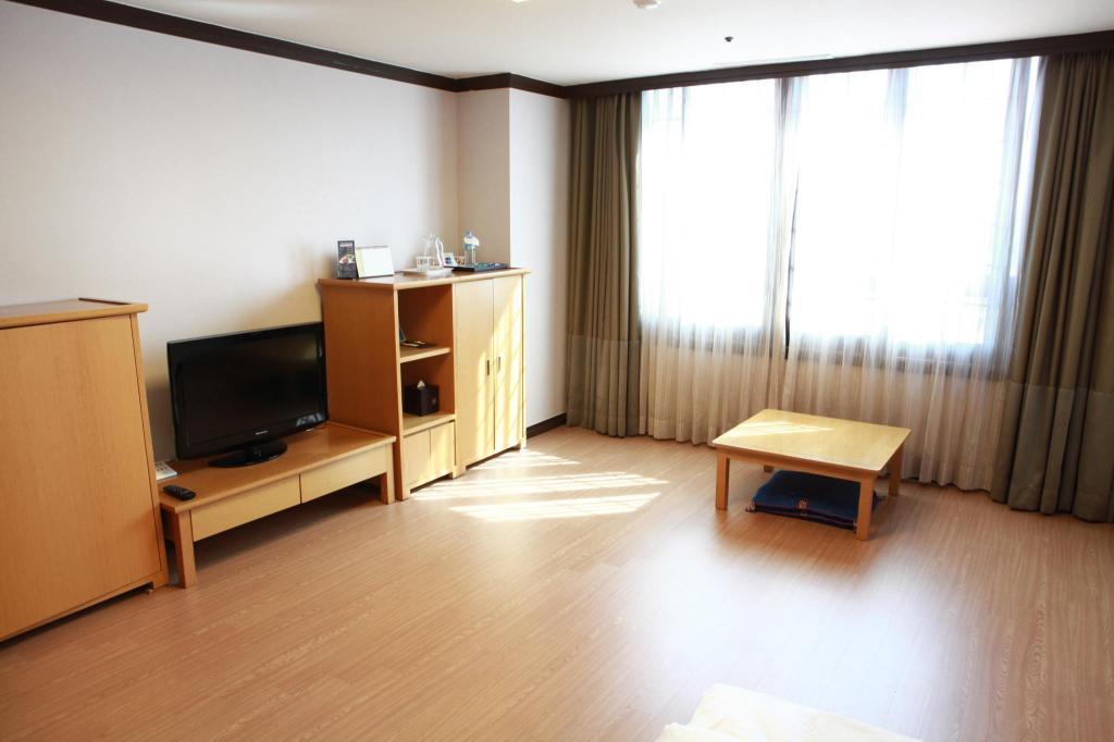 Miranda Hotel Icheon in Icheon-si - Room Deals, Photos & Reviews