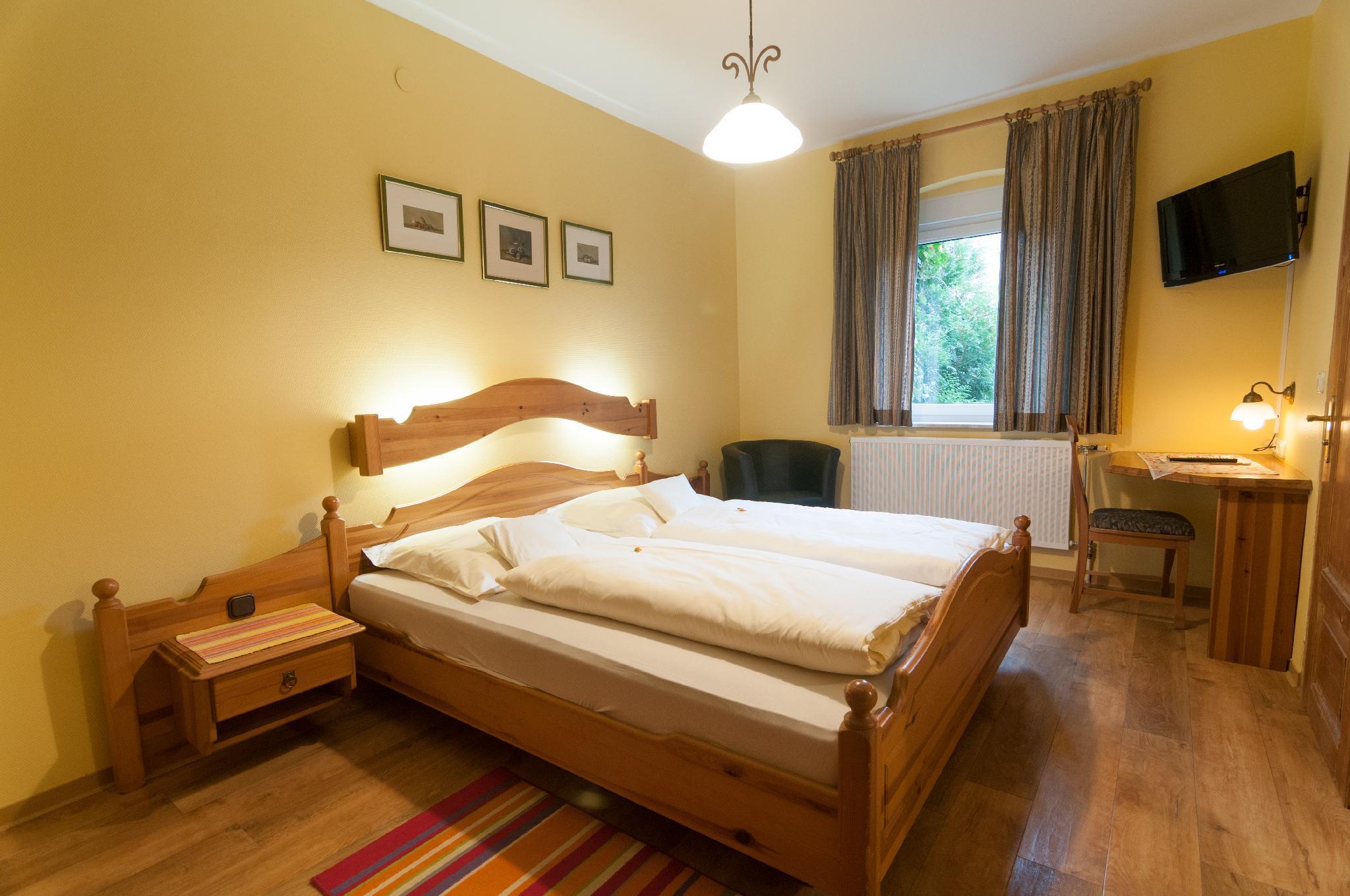 Hotel Rothenburger Hof In Rothenburg Ob Der Tauber Room Deals