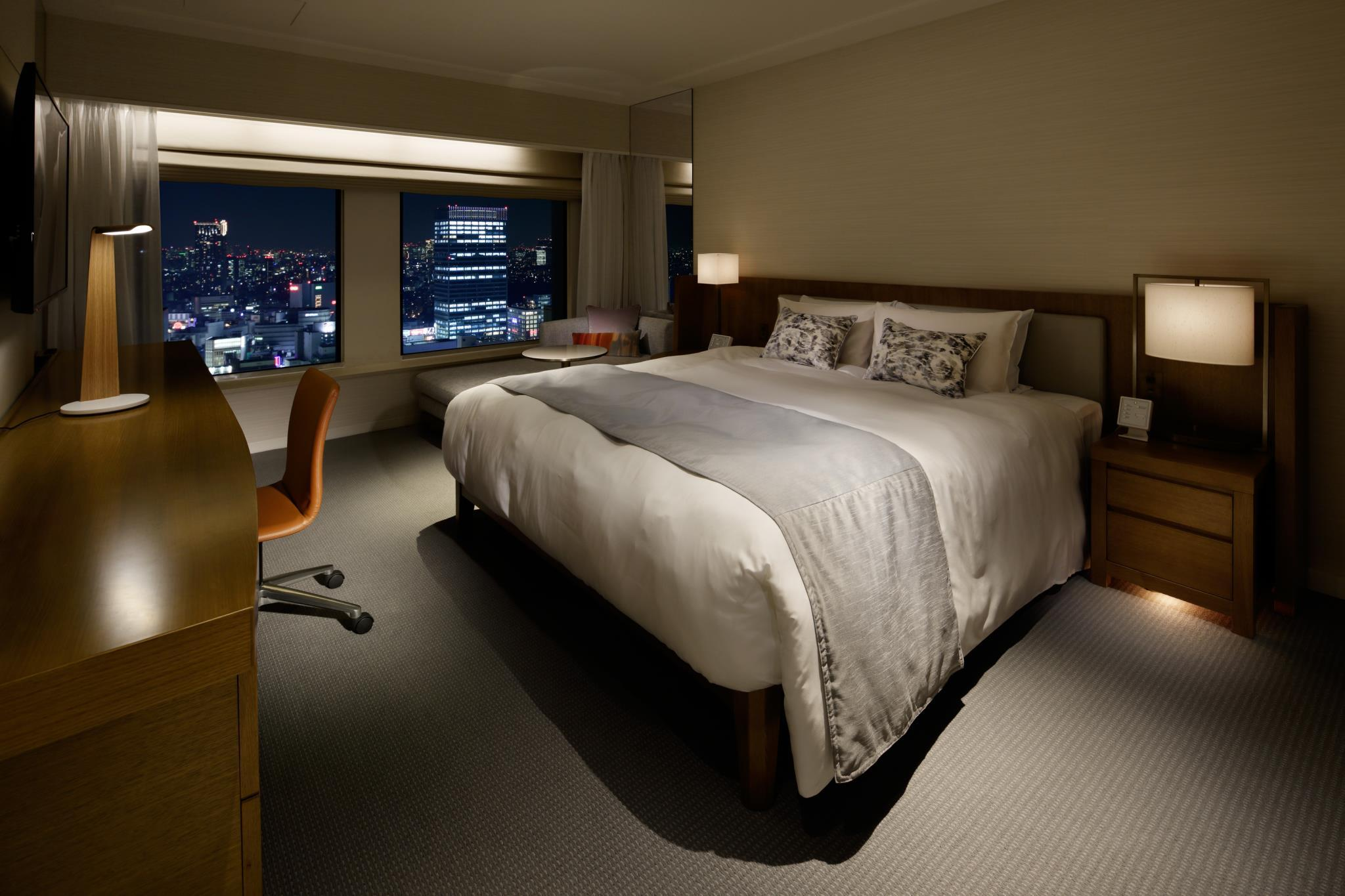 Premier Grand Superior New Club Floor Room with King Bed and Free Lounge Access