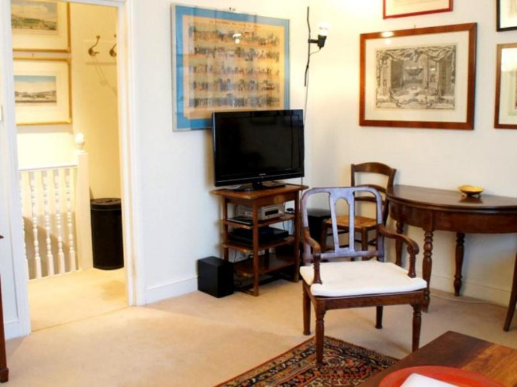 Majapaikan sisätilat A Home To Rent at Parsons Green - The Gallery Apartment