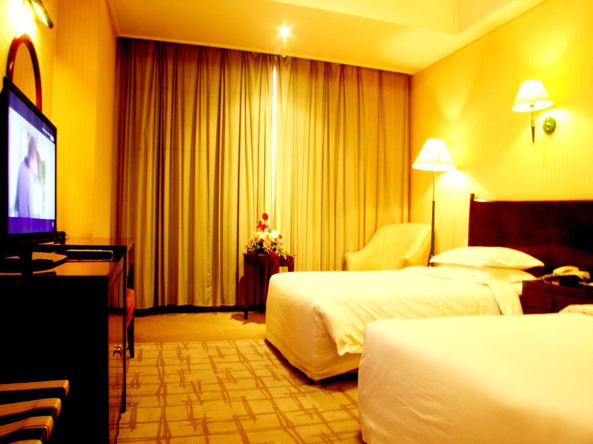 Executive klases numurs (Executive Room)