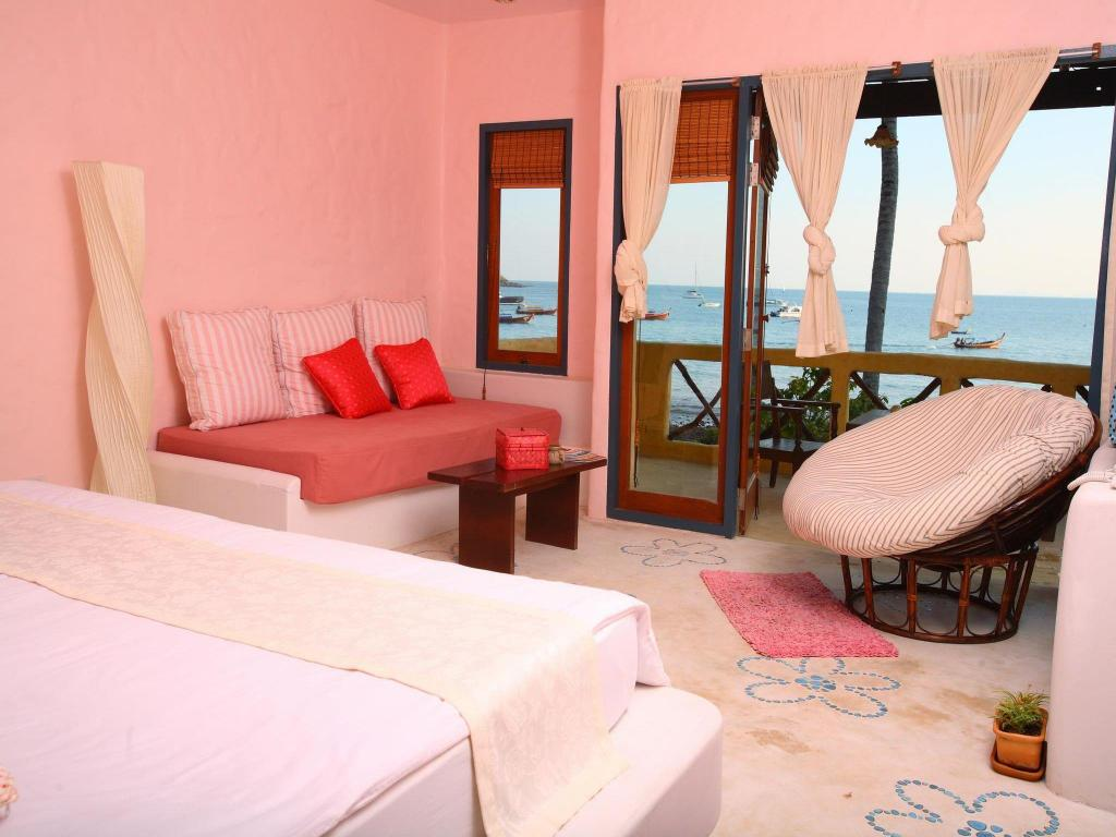 Beachfront Studio - View Phra Nang Lanta by Vacation Village