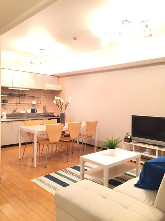 Apartamento de 90 m² con 2 habitación/es y 1 baño/s de uso privado, en Osaka city South (JR-4min walk★Subway-1min walk★MAX 14 ppl★FreeWifi)
