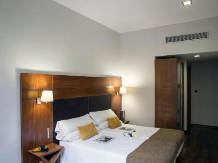 Double with Extra Bed BCN Urban Hotels Gran Ronda