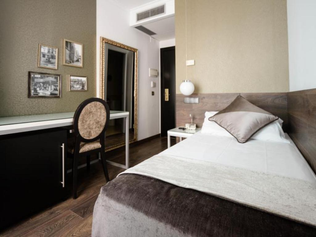 See all 6 photos Moderno Hotel
