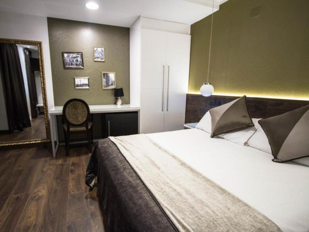 Double Room - Bed Moderno Hotel