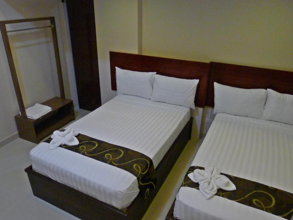 Twin Deluxe - Bed Rovic's Tourist Hotel