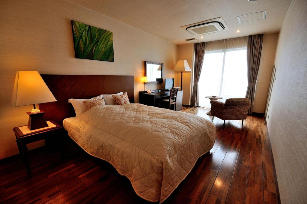 Standard Double Non-Smoking - Room plan Sayan Terrace Hotel and Resort