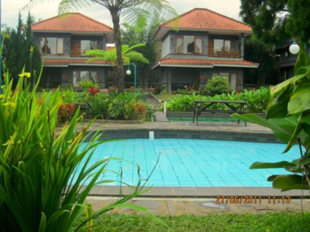 Sari Alam Hot Spring And Resort Hotel In Bandung Room