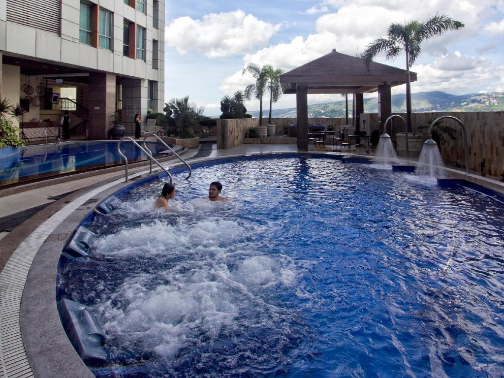 Best price on crown regency hotel towers in cebu reviews - Diamond suites cebu swimming pool ...