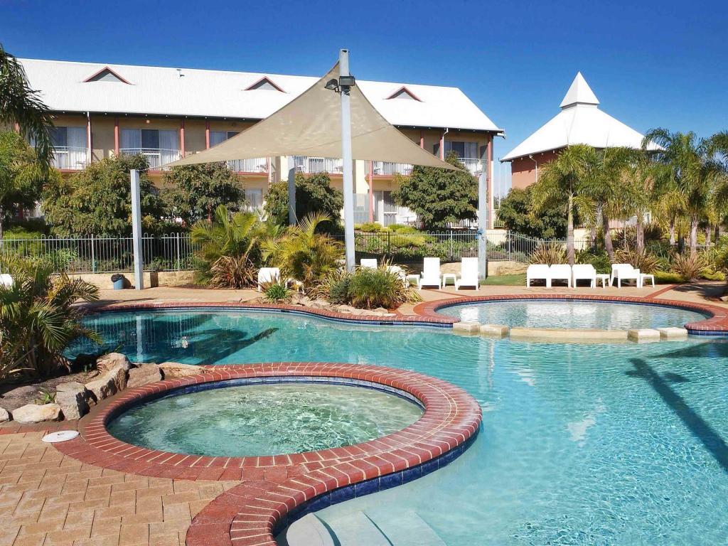 Book Mercure Bunbury Sanctuary Golf Resort (Australia