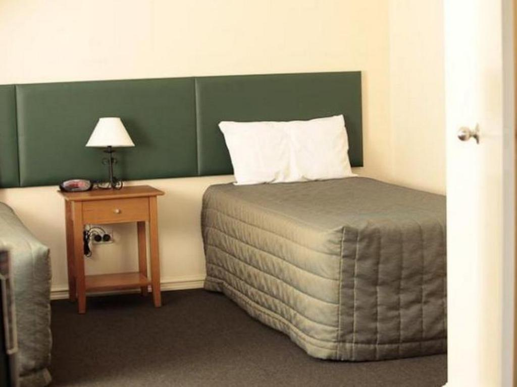 2 Bedroom Standard - Guestroom Alderney On Hay Hotel