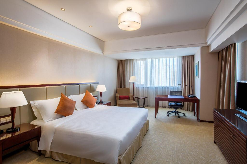 Club cu pat king-size Crowne Plaza Changshu
