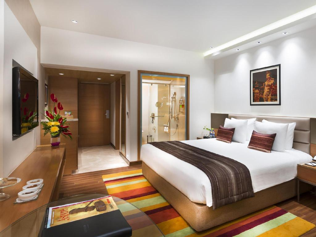 Best hotel for dating in chennai