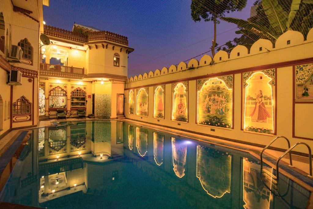 Pool Umaid Bhawan - A Heritage Style Boutique Hotel