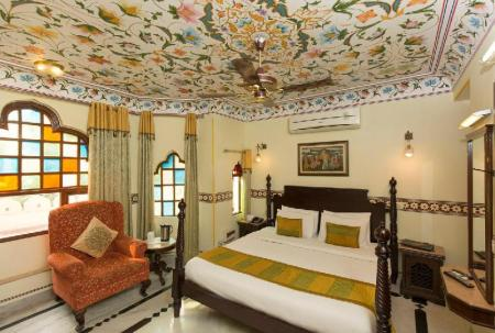 Royal Deluxe Umaid Bhawan - A Heritage Style Boutique Hotel