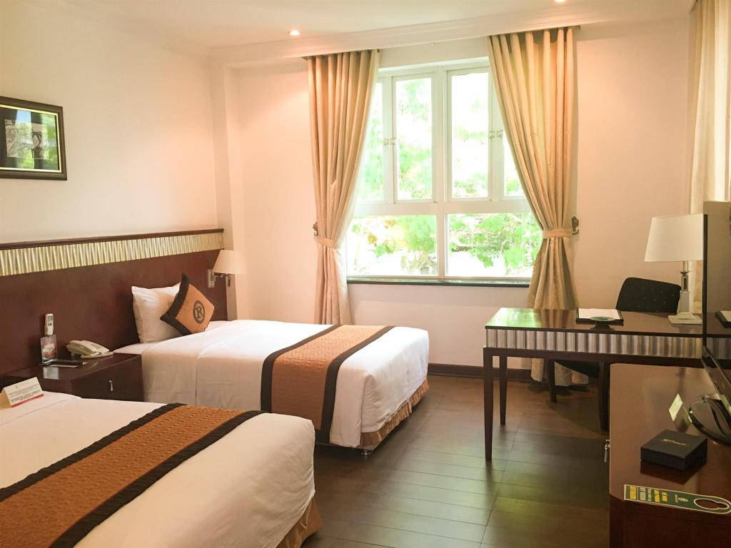 Superior Twin Room Royal Villas Halong