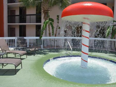 Swimming pool [outdoor] Baymont By Wyndham Orlando Universal Blvd
