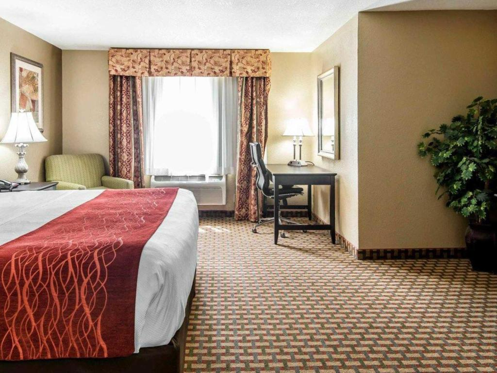 King numurs - smēķētājiem - Viesistaba Comfort Inn and Suites Kansas City Downtown