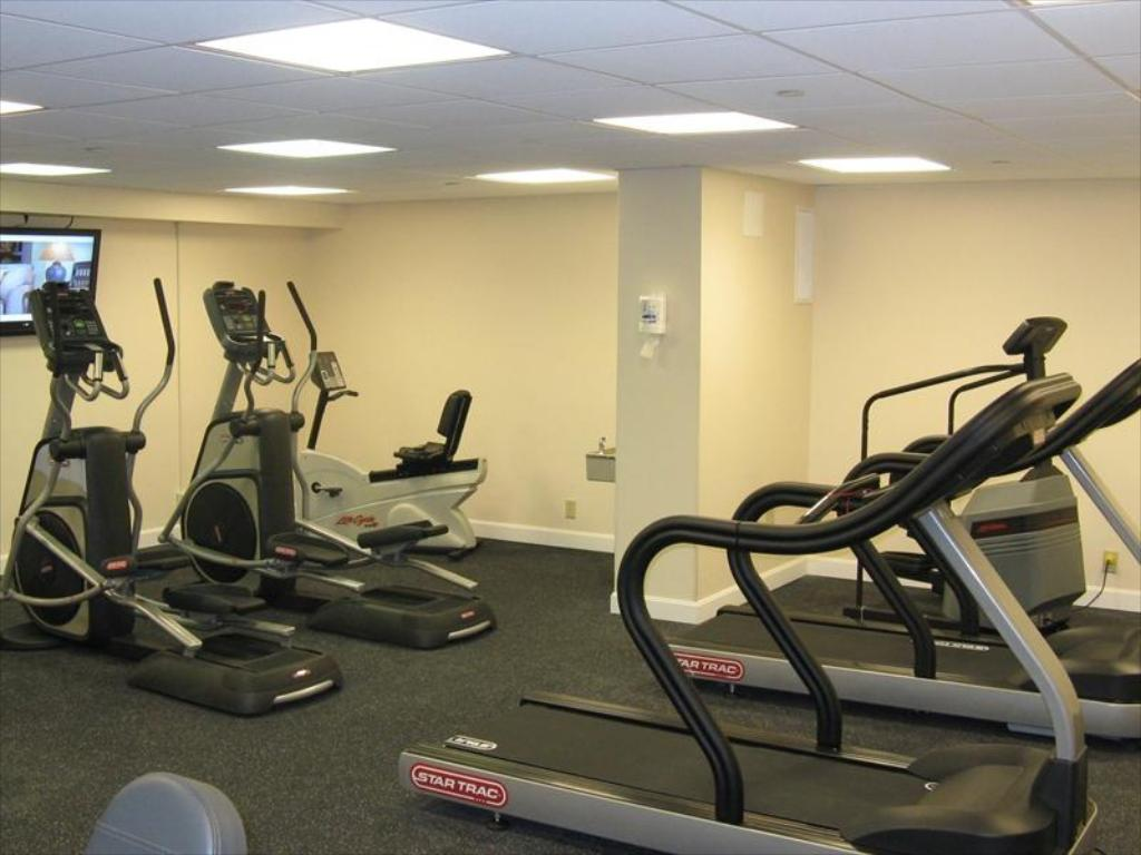 Fitnesa centrs Crowne Plaza Boston - Woburn