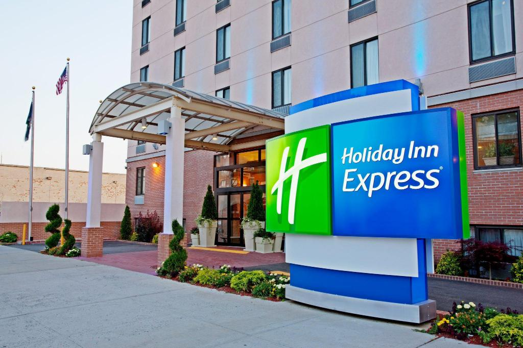 Holiday Inn Express Brooklyn