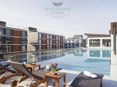 Swimming pool Balcony Courtyard Sriracha Hotel & Serviced Apartments