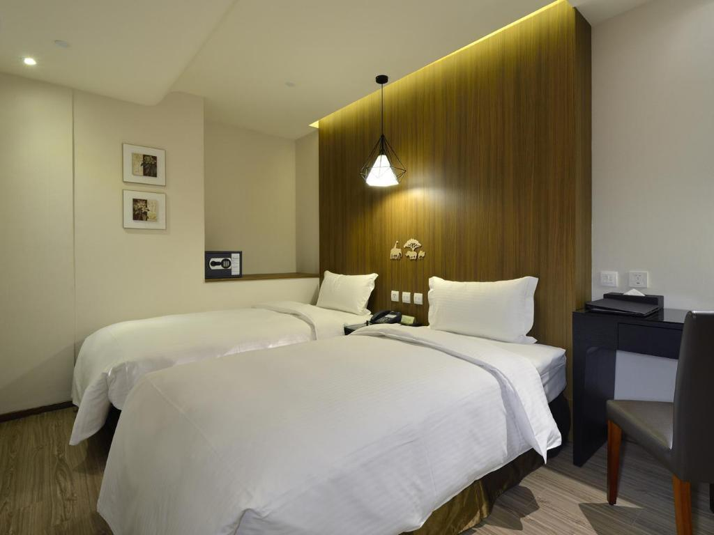 Premier Twin Bed Room Stay Hotel