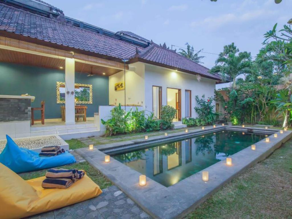 Yellow Door Villa By Esmee Management Entire Villa Bali Deals Photos Reviews