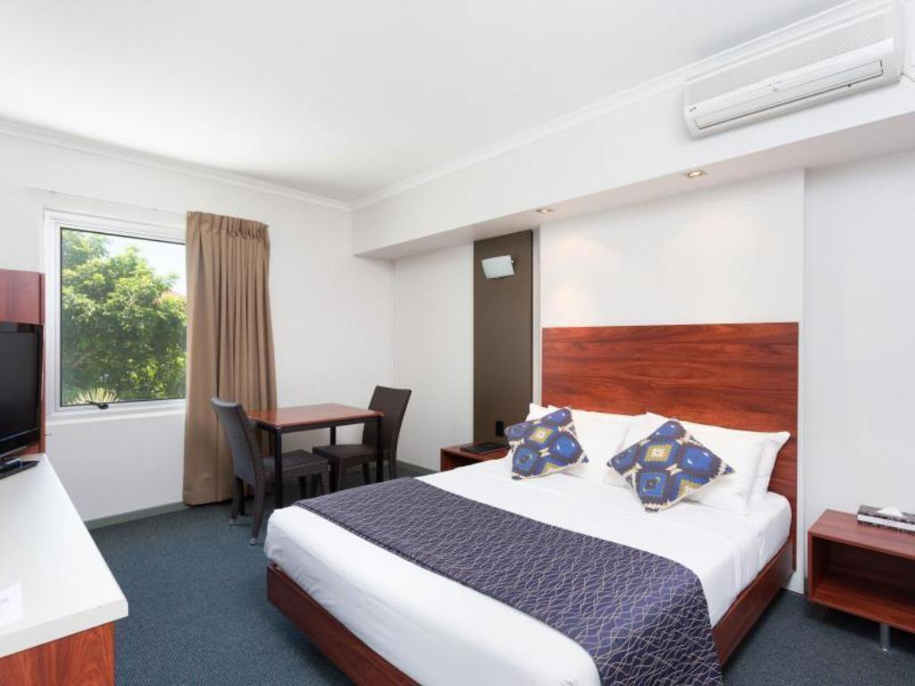 Deluxe Queen - Disabled Access - Guestroom Rocklea International Motel