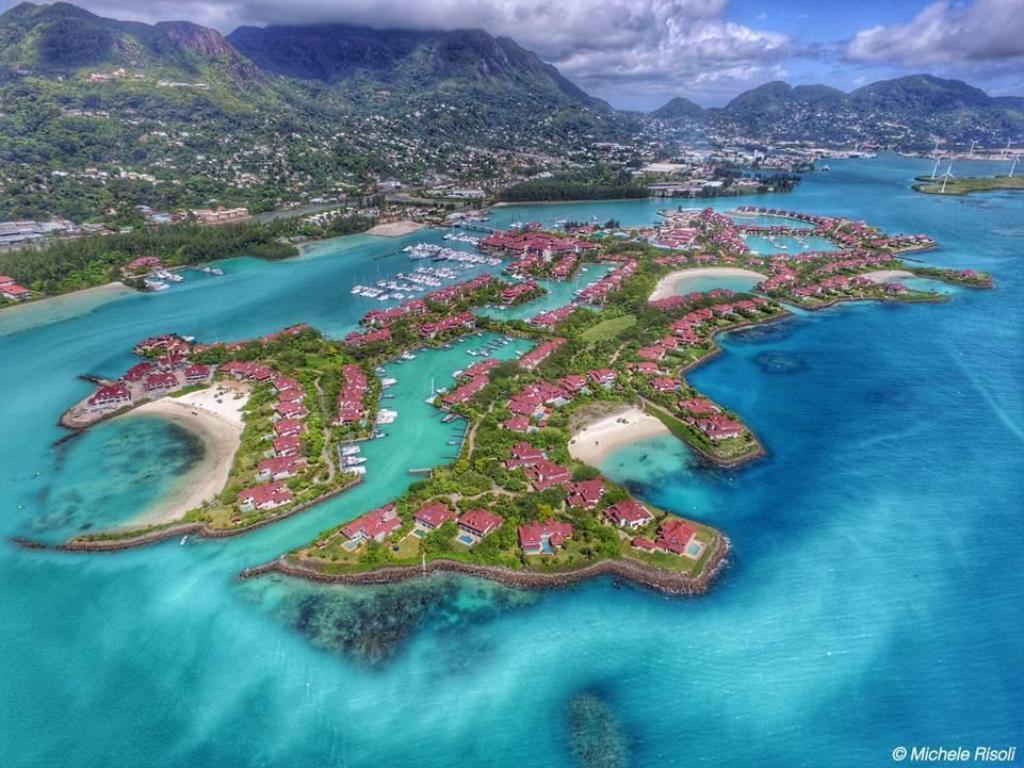 Eden Island Luxury Accommodation - Self Catering Resort in