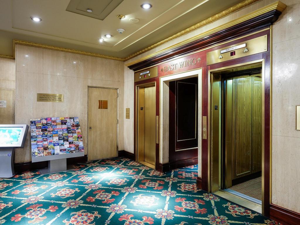 wellington hotel deluxe double. Lobby Wellington Hotel. Hotel Deluxe Double S