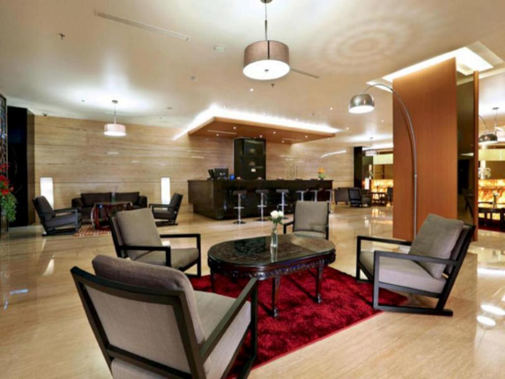 Lobi Aston Semarang Hotel and Convention Center