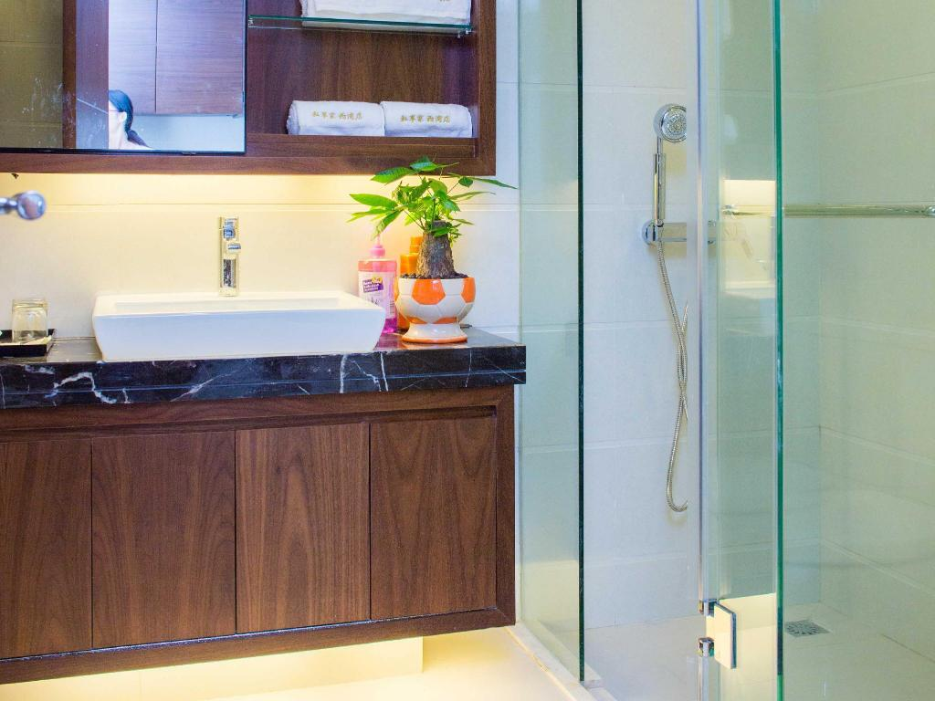Bathroom Zhuhai Vidicl Service Apartment