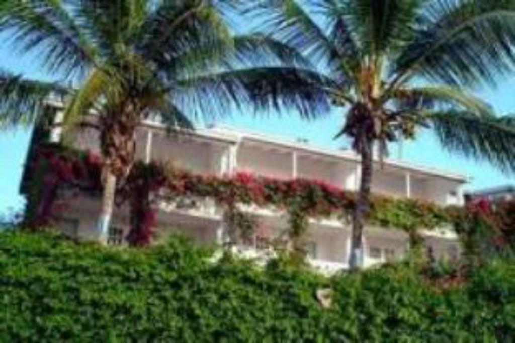 Meer over Trade Winds Hotel