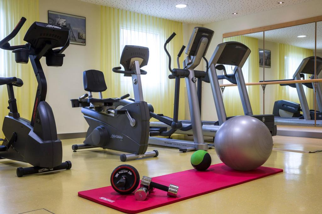 Fitness center Park Inn by Radisson Zurich Airport