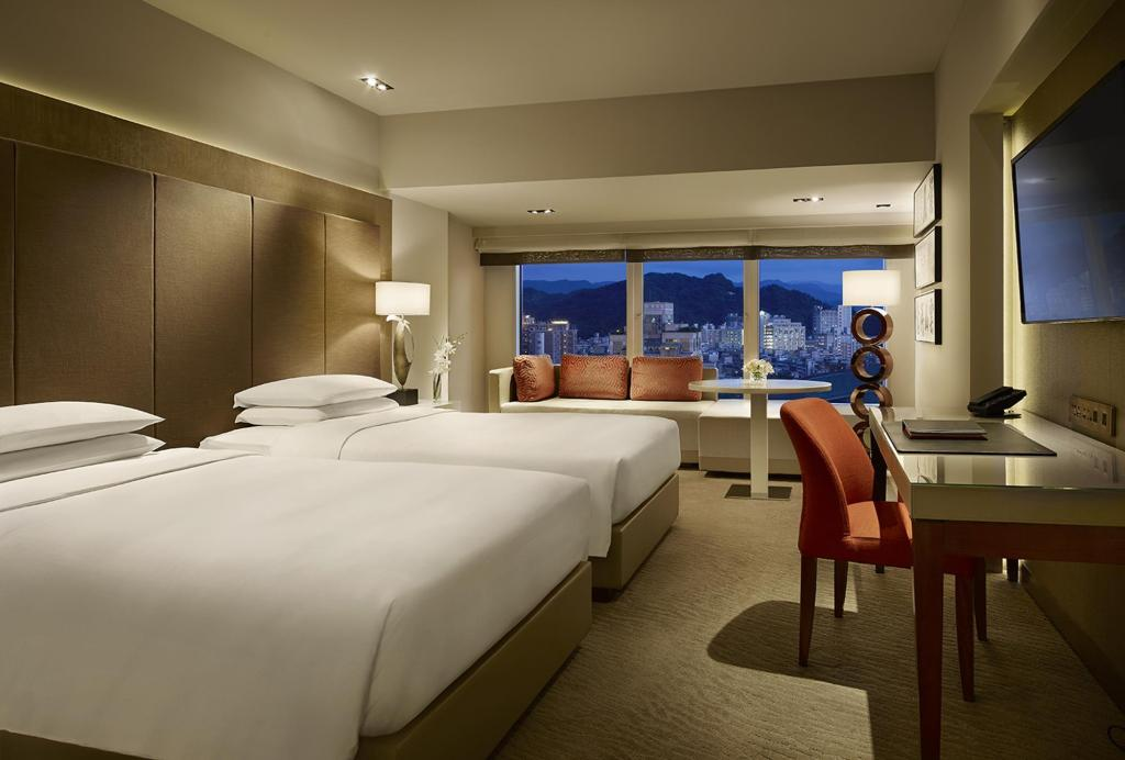Hyatt Grand Club Deluxe Twin Room