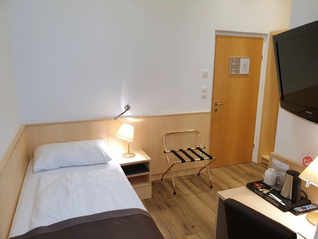 Standard Single Room - Bed Hotel Zipser
