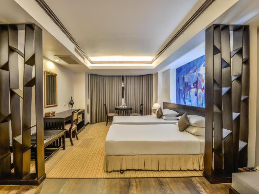 Deluxe Rooms - Bedroom The Grand Sathorn Hotel