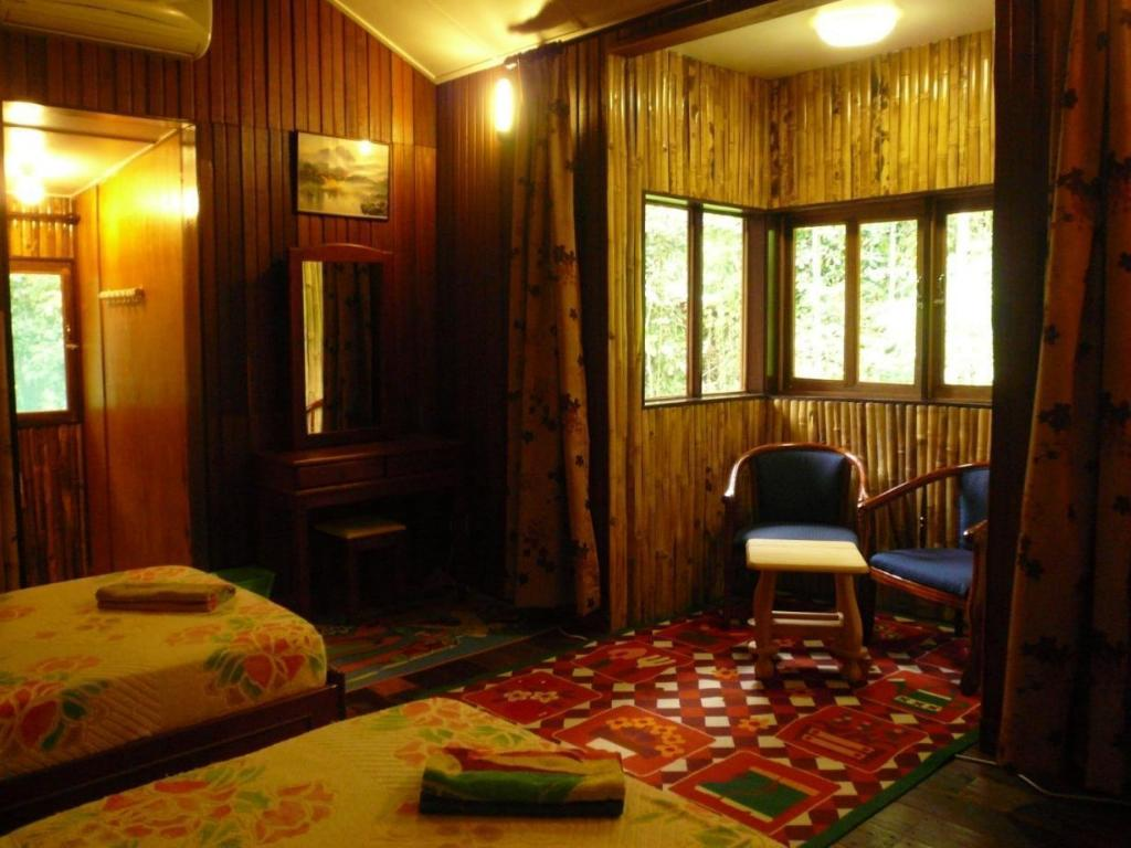 Standard Twin Room - 2D1N Package Bilit Adventure Lodge